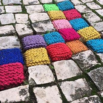 Yarn cobble stones